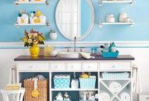 Banheiro e organização / Um lugar tão utilizado precisa estar organizado não é mesmo? Veja como é possível deixar este ambiente prático e harmonioso independente do seu tamanho...