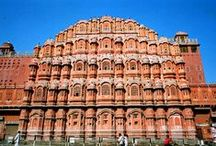 Must Visit Places / Get detailed information on best tourist destinations and Places to visit in Jaipur. Jaipur has many tourist places to visit. There are very nice sightseeing which are must see in Jaipur.