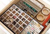 Bijus e Organização / Acessórios, o paraíso das mulheres!!! E nada como ter tudo organizado de forma prática pra olhar, escolher e usar...
