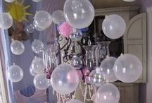 """Birthday party: Bubble theme / Party Planning Inspiration for a """"Bubble"""" themed birthday party. Food ideas, party decor, party favors, table settings, games and activities, invitations, printables, party attire, cake and cupcake ideas and more!"""