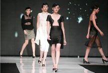 Jakarta Fashion Week / Diselenggarakan pertama kali pada tahun 2008, Jakarta Fashion Week merupakan pekan mode tahunan terbesar di Indonesia. Acara ini merupakan platform universal bagi pelaku industri mode yang ingin dikaitkan dengan desain, gaya dan tren mode terkini. http://www.jakartafashionweek.co.id/