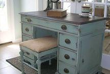 Bureaux - Desks / Idées pour décorer et refaire en DIY un bureau en bois , petit ou grand, scandinave, ancien ou vieux  Ideas and DIY tips for repurpose or makeover and old desk