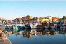 Il porto di Fano / Il porto di Fano con le sue barche e i suoi pescatori  #lidodifano #portodifano #fano