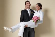 Hochzeitslooks nach Maß / Für alle Liebende haben wir von #DOLZER etwas ganz Besonderes: unsere DOLZER Ceremonial Kollektion. Neben festlichen Outfits für die Damen bieten wir auch unseren DOLZER Herren die Möglichkeit mit unseren attraktiven Modellen nach Maß dem wichtigsten Tag ihres Leben noch mehr Individualität zu verleihen: Ob #Smoking, #Frack oder #Cutaway – die Hochzeitsmodelle von DOLZER unterstreichen Ihre Ausstrahlung perfekt und sorgen dafür, dass Sie sich am wichtigsten Tag Ihres Lebens rundum wohlfühlen!