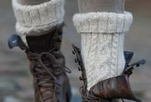 Knit'n Fabulous Feet / I absolutely love knitted socks - all year around! I´ll even wear an old, chunkey pair to my partydress if the occation lets me take off my shoes:-D On this board you´ll find all kind of knitwear to get fabulous legs and feet. Thights, stockings, legwarmers, slippers´n of course woolen, warm party-socks ;-D  Enjoy the walk to find YOUR favourite pattern here