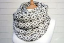 Knit'n Comfy Cowls / On this board you´ll find all kind of knitwear for your neck´n shoulders. Chunky, colorful, straight up skarfs or shawls with intricate lacepatterns. Most of them with patterns, others are pure inspiration. Enjoy!