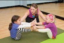 """Yoga für Kinder / Ganz nach dem Motto """"Früh übt sich"""" gibt es hier Tipps und Tricks für den Yoga-Unterricht mit Kindern."""