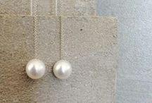 Girl with a Pearl Earring / Perle a volontà, dal classico al design più 'spinto' con abbinamenti inediti e creativi :) www.mariatti.it