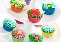 Cupcakes! / Come on, who doesn't love cupcakes?