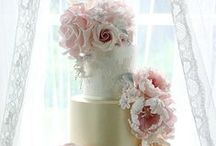 Beautiful Wedding Cakes & Cupcakes / Selection of my favourite cakes, cupcakes and cake pops for weddings