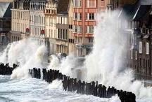 Grandes Marées / Les plus belles photos de grandes marées ... http://www.st-malo.com/actualites/les-grandes-marees/