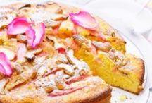 Raparperi ilahduttaa läpi kesän! / Raparperi antaa satoa läpi kesän ja tuo ihanan hapokasta makua kaikenlaisiin leivonnaisiin ja jälkiruokiin
