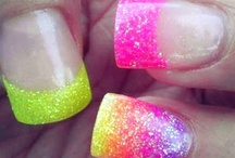 Love nails / by Maria