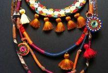 bijoux di tessuti, pelle, carta