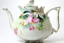 Teapots & Chocolate pots / Teapots & Chocolate pots / by MMCL