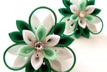 flores e bijuteria
