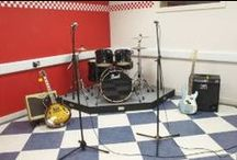 West London rehearsal venues / Music rehearsal studios, practice rooms and dance/theatre rehearsal spaces in West London