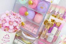 Beauty - Makeup storage, organization & vanity