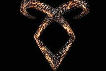 The Mortal Instruments / Everything to do with 'The Mortal Instruments' series, books, movie and the up and coming tv series. As well as 'The Infernal Devices' series.