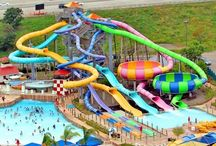 New England Water Parks / Pictures of some of New England's most popular water parks, both indoor and outdoor.