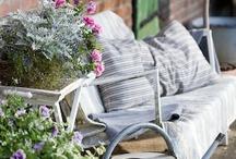 Porches & patios / by Morgane