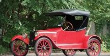 Classic 1914 Vehicles / There were 300 cars in the United States in 1895, 78,000 in 1905, 459,00 in 1910 and 1.7 million in 1914.