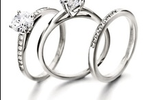 Engagement Rings / Photos of amazing Engagement Rings. Find your dream ring on this board.