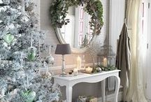 Christmas hallways / Turn the entrance to your home into a fabulous festive space