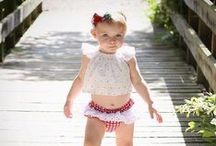 Baby Girl Photography Posing and Outfit Inspiration / Inspiration for baby girl photography and baby girl outfits for milestone or newborn photography shoots