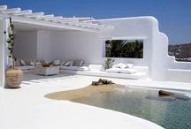 Cool Homes / by Fina Meraz
