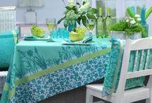 Jacquards im französischen Stil von Sander / Jaquardgewebte Tischwäsche im französischen Landhausstil. Zu bestellen bei sander-tischwaesche.de
