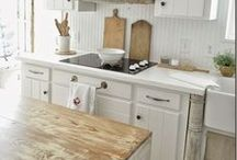 Modern Farmhouse / Clean and simple farmhouse style DIY projects and inspiring decor.