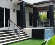 Royal Black Format // Natural Stone Veneer / This Key Biscayne Home Enjoys the Beauty of Natural Stone...