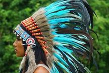 Turquoise Indian Headdresses are calling / We´re totally in LOVE with turquoise headdresses as they simply scream sunrays and summerfeeling