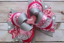 Bows of any kind / Hair or clothes accessories