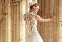 Raimon Bundo / Edel, klassisch, einzigartig Zauberhaftes Design lädt zum heiraten ein. Edelste Materialien kommen zum Einsatz, um diese leichten, jungen Traumkleider herzustellen.