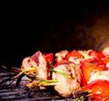 Alles für ein BBQ / Alles was das BBQ Herz begehrt. Deftig leckere Rezepte und Gerichte rund um das Thema Grillen. Salate, Saucen, Brot und natürlich alles, was auf den Grill passt.