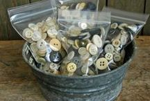Buttons and more Buttons / by Suze : Blacktavernprimitives