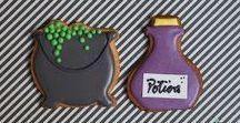 Halloween cakes • Gâteaux pour Halloween / Biscuits, desserts, déco & gâteaux ludiques et inquiétants pour fêter Halloween à la mode française.   Toutes les créations sont à retrouver chez Bogato, 7 rue Liancourt 75014 PARIS • 01 40 47 03 51