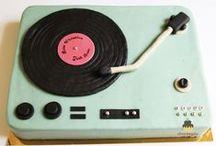 Music & Cakes / Music themed birthday cakes • Boutique Chez Bogato 7 rue Liancourt 75014 Paris • Tel. 01 40 47 03 51