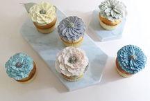 Flowercake / Wilton cake / butter cake / sugar / flower cake