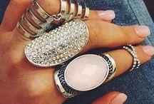 zilver en bling bling.. / by Ria ansems