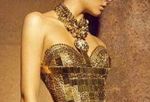 Gold  / by Dalia Abbas