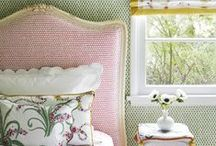 Upholstered Headboard Inspiration / A collection of Revitaliste's favorite inspirational upholstered headboards