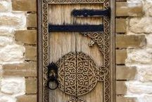 Door's Around The World / We know, we know ... It sounds like a pretty boring board. That's what we thought too at first but look at those beautiful shots below and you might change your mind.