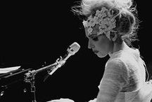 Lady Gaga / The perfect voice.