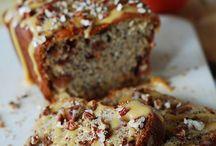 Bread, Bread and Bread / by Maria Eugenia Saenz
