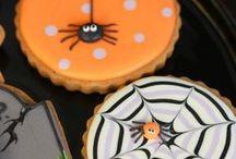Halloween Cakes & Treats / Eine Sammlung aller lukullischen Halloween-Ideen. Have Fun :-)