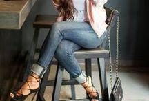 """★ Estilo / A diferença entre ter estilo ou ser fashion depende do quanto acreditamos em nosso potencial feminino. Quanto maior a autoestima, menor a necessidade de marcas e produtos para """"sermos"""" alguém."""