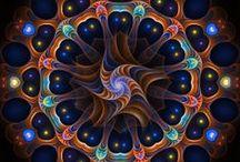 ۞ Mandalas / O que é Mandala: Mandala significa círculo em palavra sânscrito. Mandala também possui outros significados, como círculo mágico ou concentração de energia, e universalmente a mandala é o símbolo da integração e da harmonia.